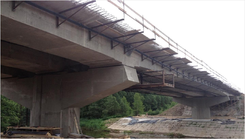 Wzmocnienie płyty mostu drogowego